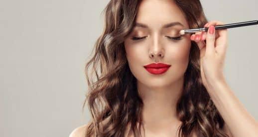 Self-makeup course