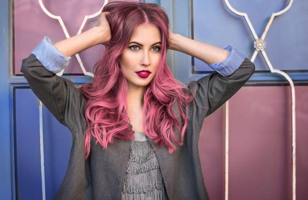 ¿Cuánto dura el color fantasía en el cabello?